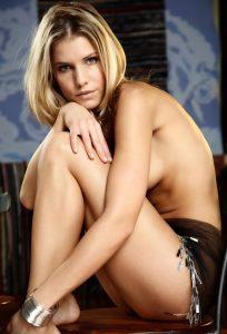 Classy Naked Lady - XCheapEscorts Berlin